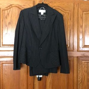 Woman's two piece suit 14
